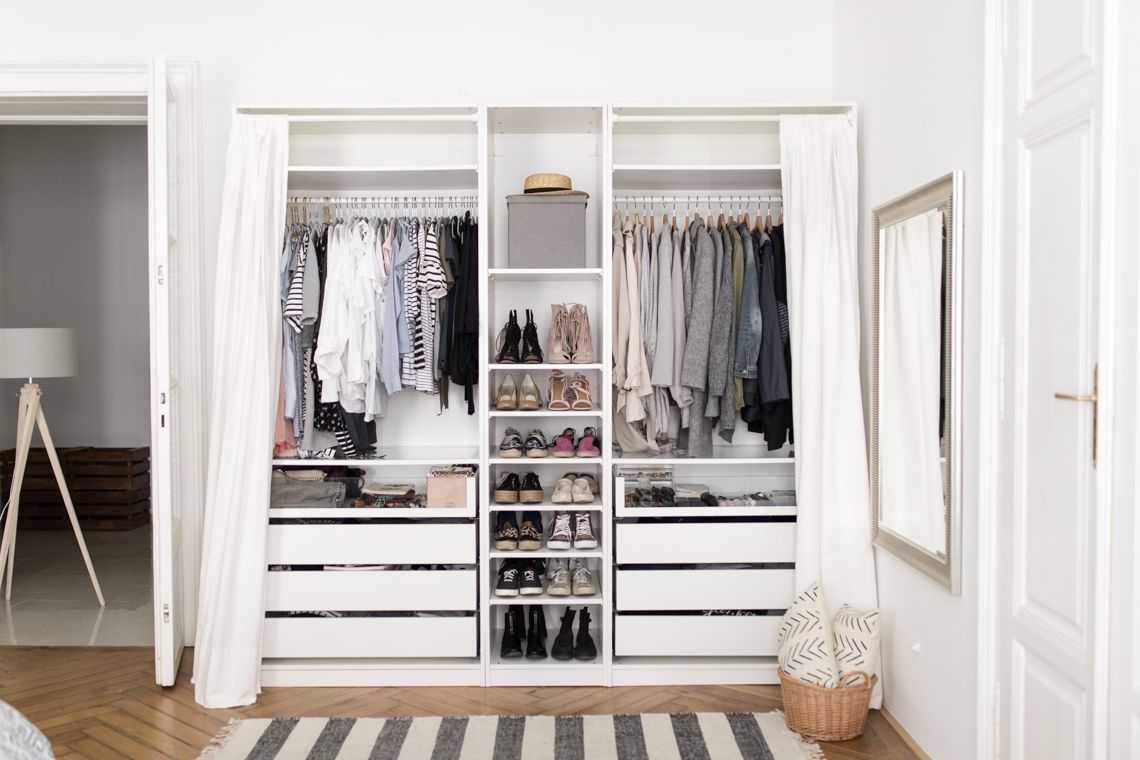 Bedroom Wardrobe Designs With Sliding Doors